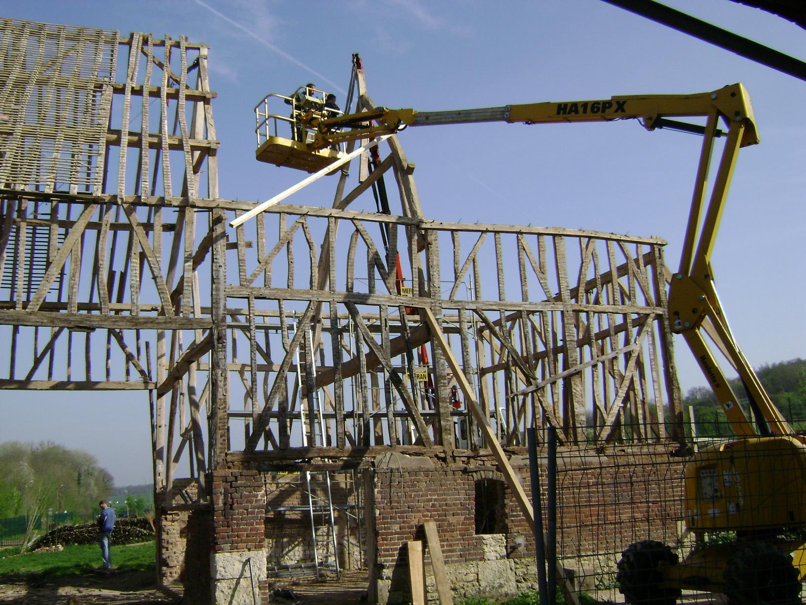 Les travaux ont pour objectif la transformation d'une ancienne ferme en une structure d'éducation au développement durable : Les locaux de la ferme sonten restauration depuis juin 2004. Ils permettent […]